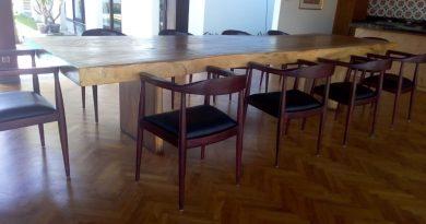 pemasangan lantai kayu Jati di Villa canggu bali