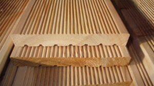 apa itu decking kayu outdoor?