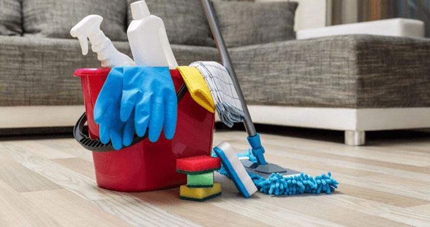 cara membersihkan lantai kayu dari debu dan kotoran