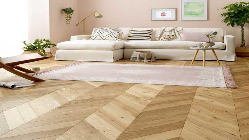 material lantai kayu solid motif chevron
