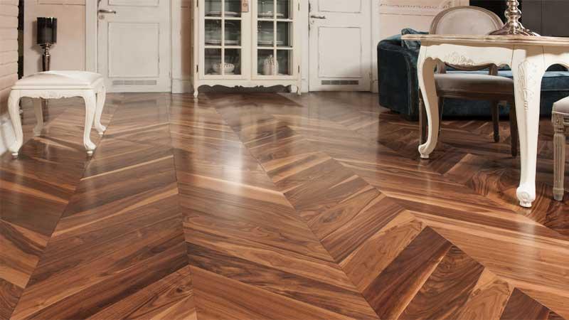 lantai kayu solid motif chevron