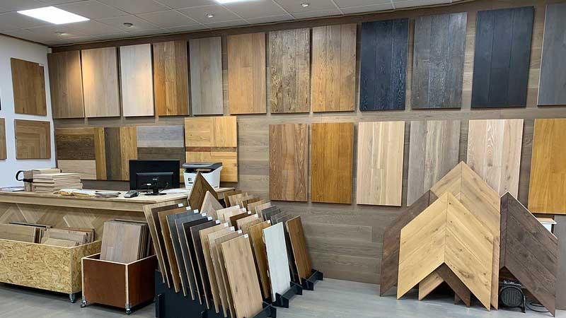 lantai kayu beragam motif dan warna khas